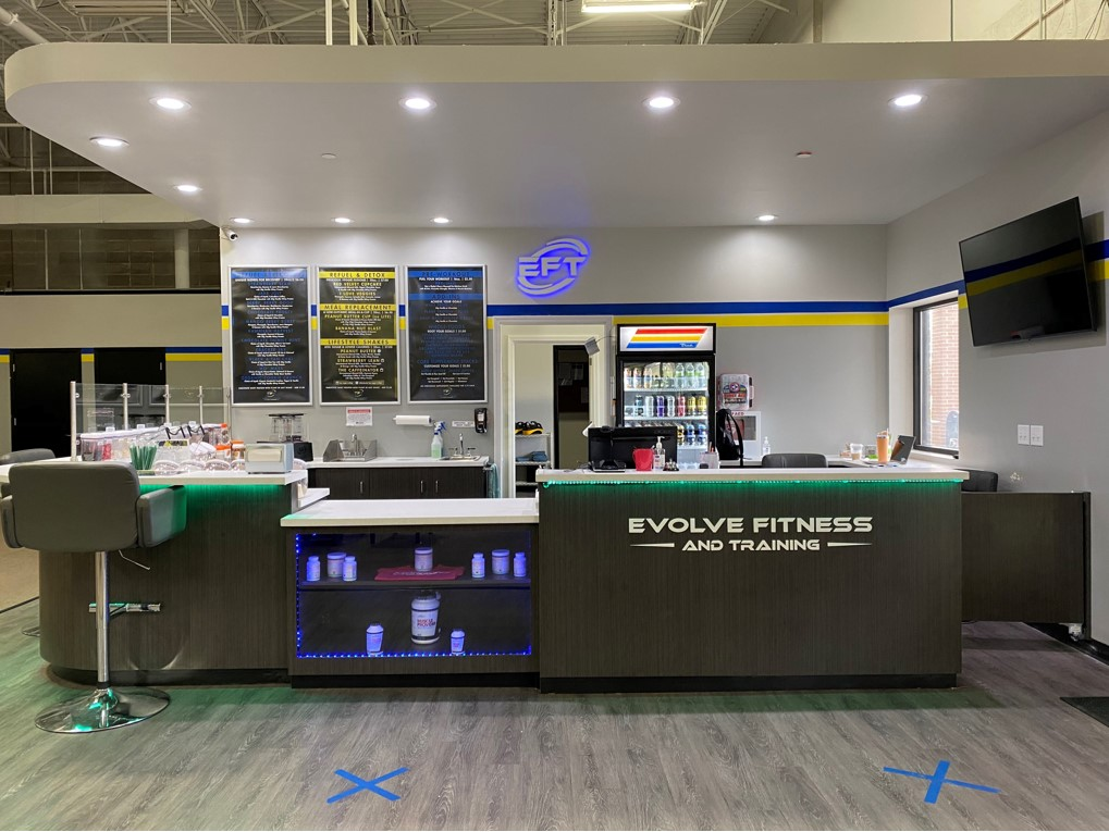 Evolve Fitness and Training Gym smoothie bar